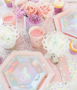 DIY Unicorn Party Plates with Cricut